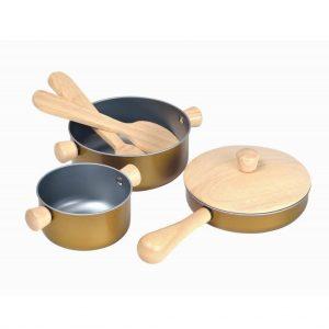 Plantoys Kochgeschirr – Set, 5-teilig (ab 2 Jahren) Holzspielzeug
