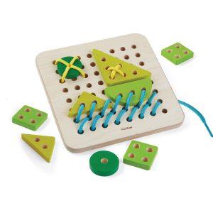 Plantoys Holz-Stickbrett quadratisch (ab 3 Jahren) 12-teilig Holzspielzeug
